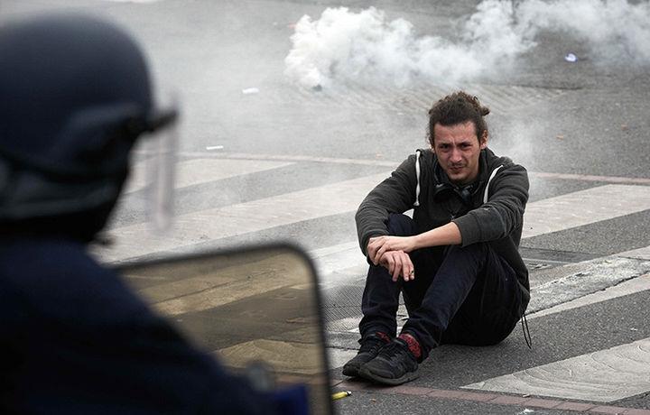 Эрдоган осудил чрезмерную жестокость полиции Франции