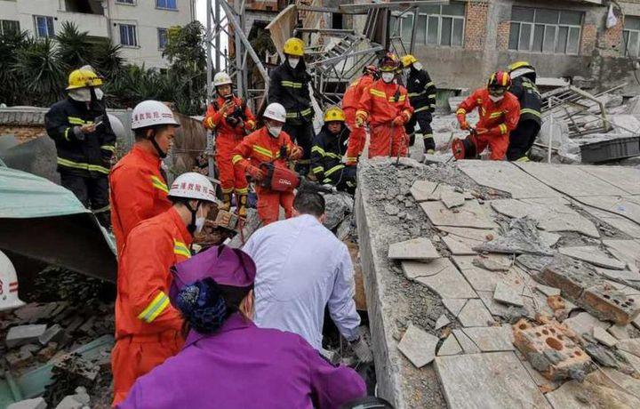 Жилой дом обрушился в Китае (фото)