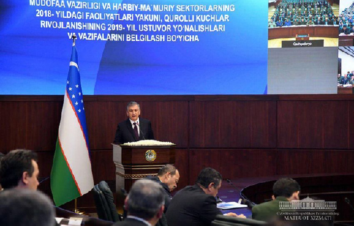 Теперь солдаты будут сдавать экзамены по истории Узбекистана и «Уложению Темура»