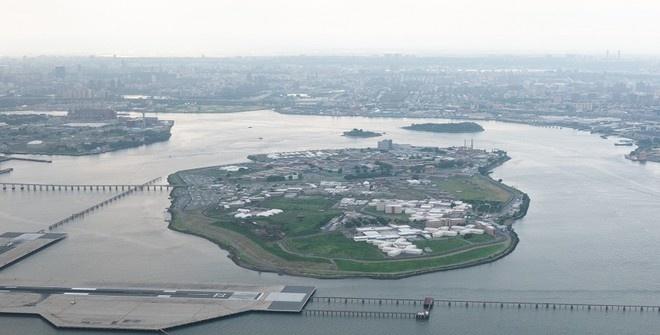 В Нью-Йорке закрывают самую крупную в мире тюрьму