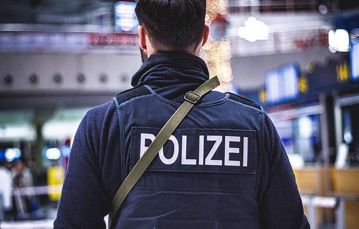 Атаковавшего знаменитостей хакера поймали в Германии