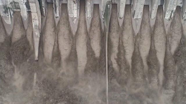 Сильнейшие ливни вызвали наводнение в Китае (видео)