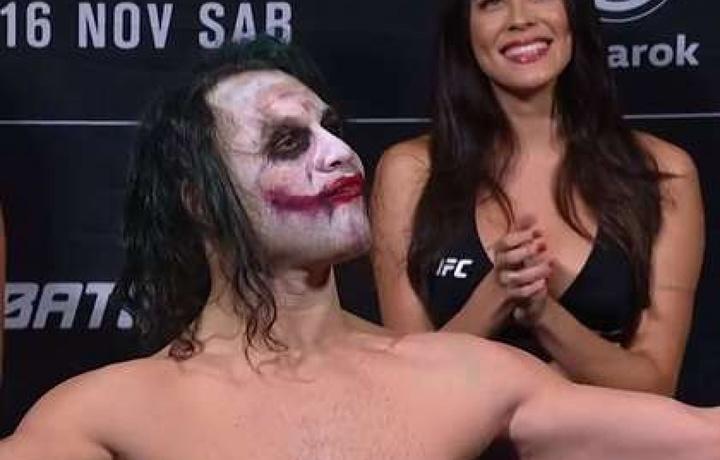 Боец UFC перевоплотился в Джокера (видео)