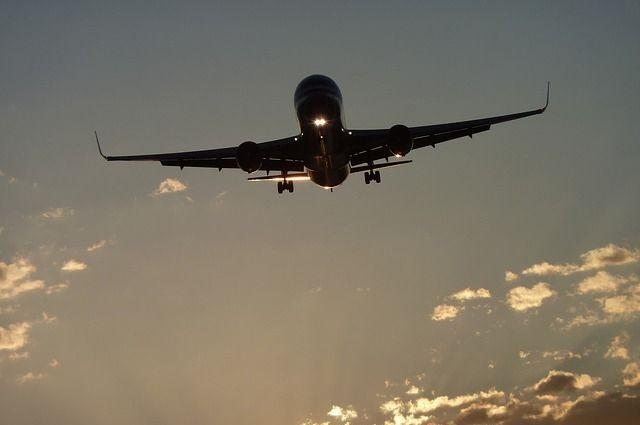 Кубада самолёт қулади, юздан ортиқ йўловчи ҳалок бўлгани айтилмоқда