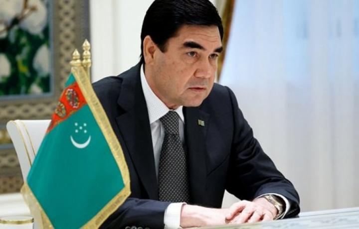 Президент Туркменистана уволил министра внутренних дел, выгнав его из зала заседания