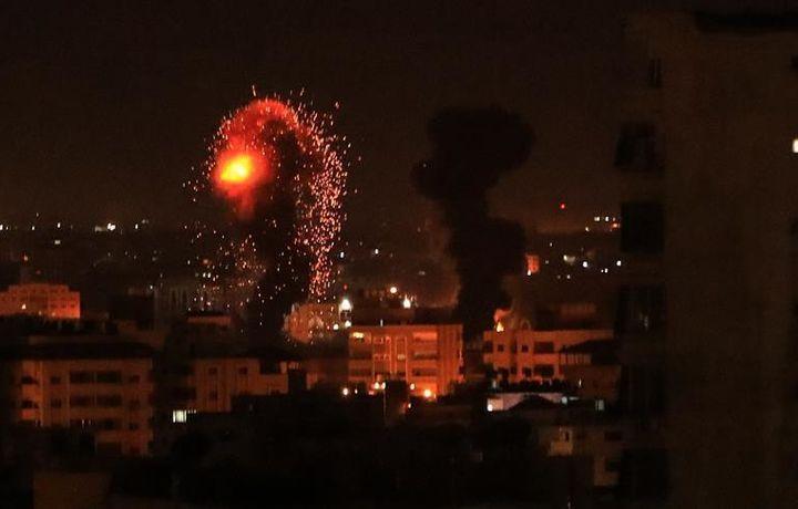 Израильская авиация бомбит Газу (фото)