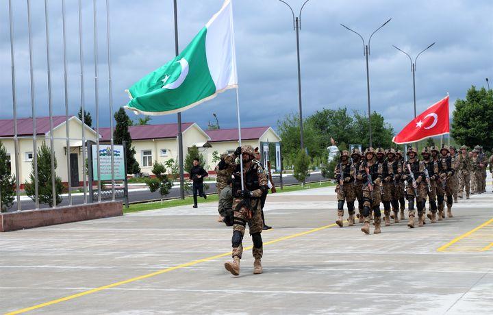 Военные Узбекистана, Пакистана и Турции проводят совместные учения