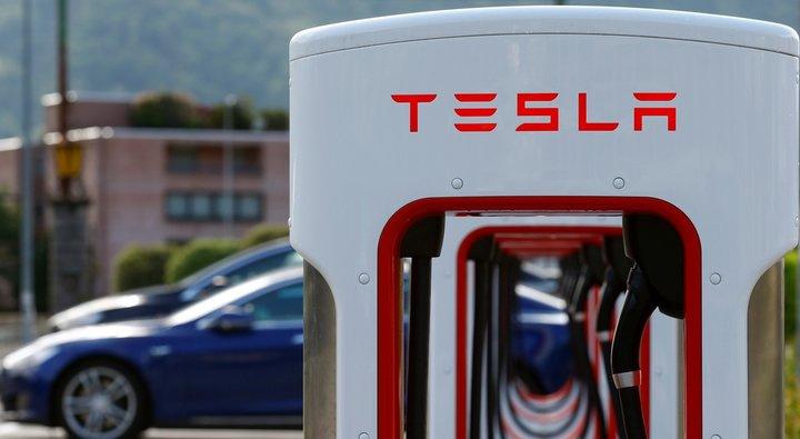 «Tesla» va «Panasonic» hamkorlik qiladi
