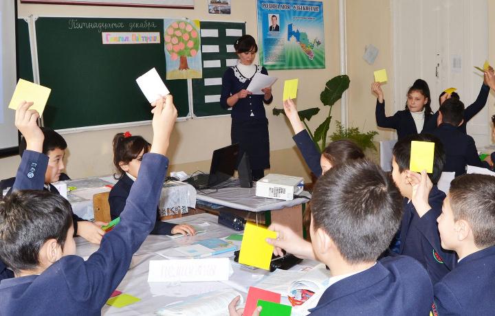 Янги петиция: Ўзбекистонда мактаб директорлари сайловини жорий этиш таклиф қилинди