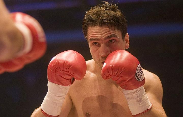 Скончался 47-летний трёхкратный чемпион по боксу