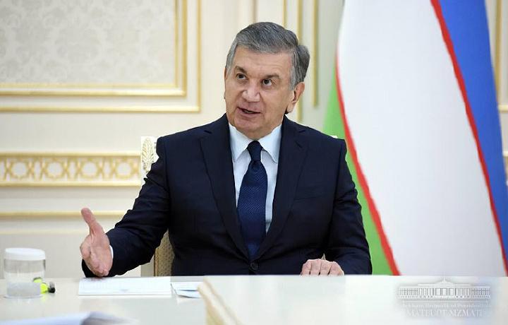 Shavkat Mirziyoyev jamoat transporti bilan bog'liq muammolarni tanqid qildi