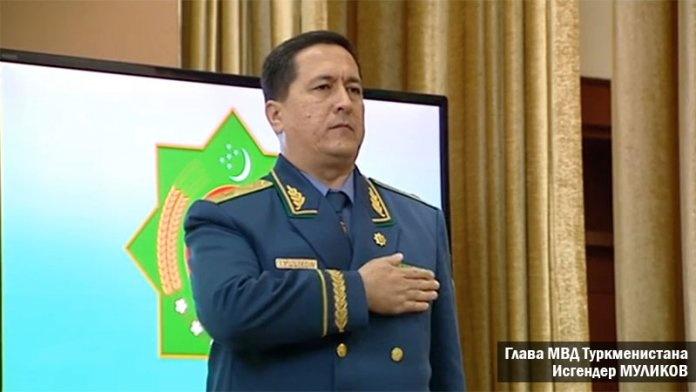 «Ochko'zligim sababli katta miqdorda pora oldim» — Turkmaniston sobiq ichki ishlar vaziri iqror bo'ldi (video)