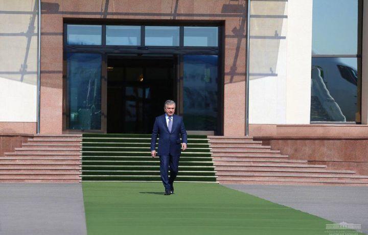 Шавкат Мирзиёевнинг Тошкент вилоятига ташрифи бошланди
