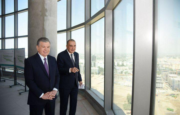 Shavkat Mirziyoyev «Tashkent City»dagi 21 qavatli «Hilton» mehmonxonasini borib ko'rdi (foto)