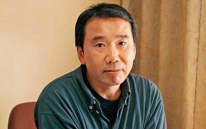 Харуки Мураками мукофотга номзодлар рўйхатидан номини чиқартириб олди