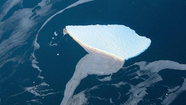 СМИ: компания из ОАЭ начнет буксировку айсбергов из Антарктики в 2019 году