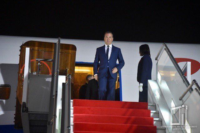 Dmitriy Medvedev Toshkentga keldi