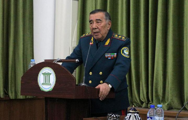 General-polkovnik Zokirjon Almatov hayotiy tajribalari haqida gapirdi