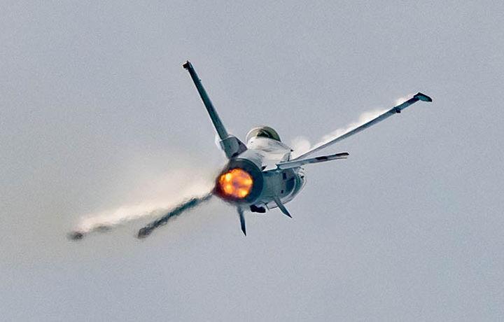 Истребитель F5 разбился в Иране