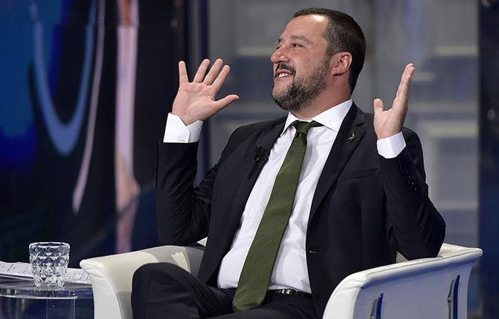 Итальянский министр захотел увидеть «русских хакеров»