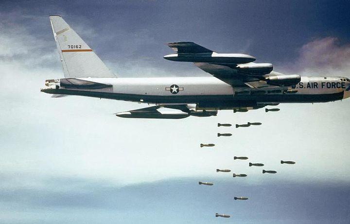Американские бомбардировщики B‐52 прибыли в Европу