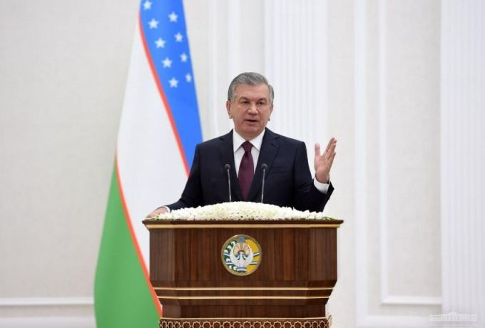 Мирзиёев сенаторам: «Снимите галстук и поезжайте в регионы»