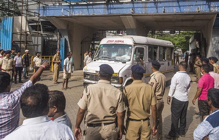 Автобусная остановка взорвалась в Индии