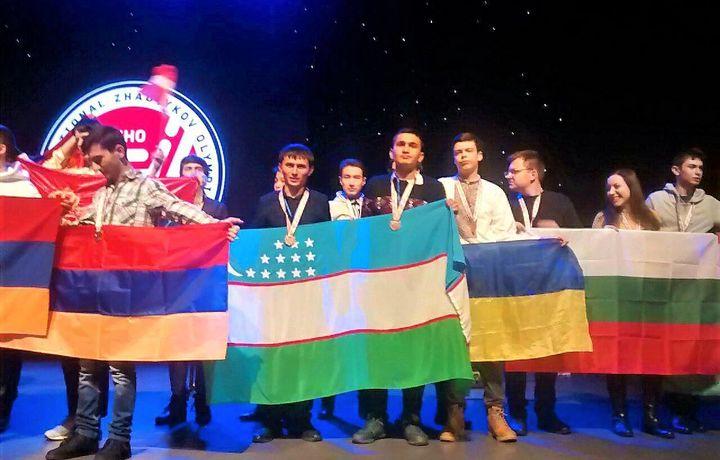 Akademik litsey o'quvchilari Qozog'istondan 10 ta medal bilan qaytdi