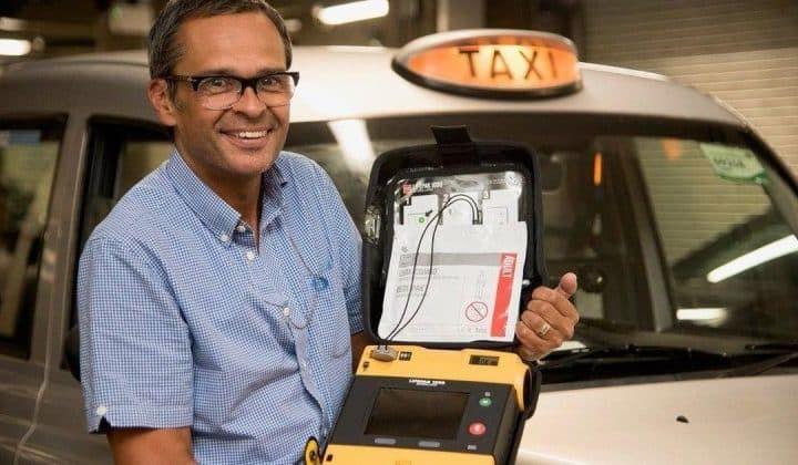 Лондонлик таксичилар биринчи тиббий ёрдам кўрсатади