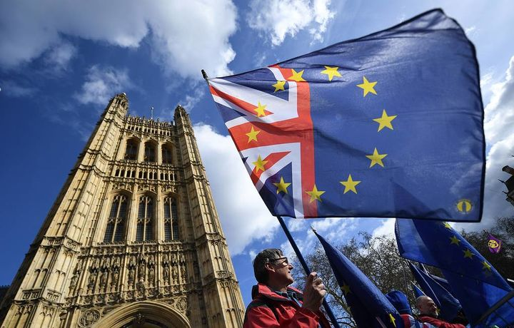 Британские парламентарии одобрили новую дату Brexit