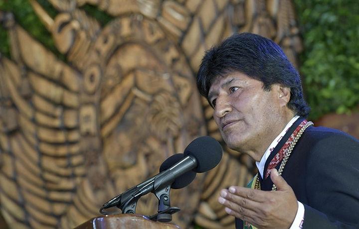 Президент Боливии собрал министров в пять утра