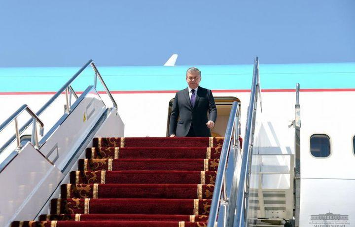 В Бишкеке Шавката Мирзиёева встретил Премьер-министр Кыргызстана