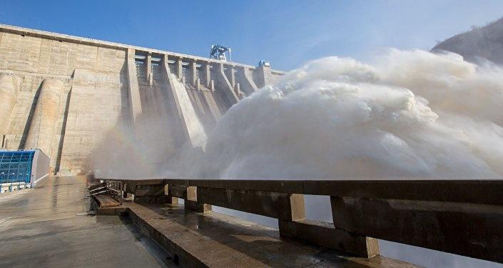 Андижондаги ГЭС тўғонидан эркак кишининг мурдаси топилди