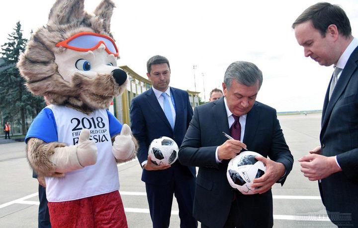 Shavkat Mirziyoyev Moskvaga yetib bordi