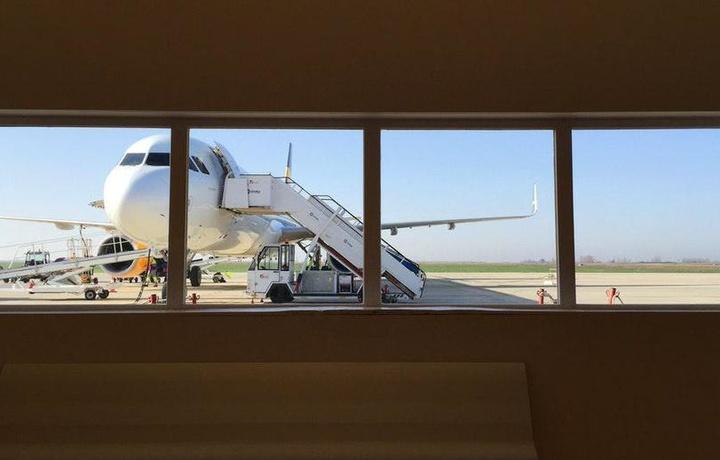 Самолеты Boeing задели друг друга в аэропорту Праги