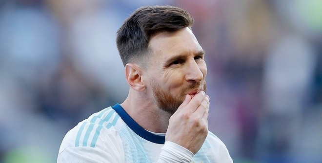 Месси признан лучшим футболистом года по версии ФИФА