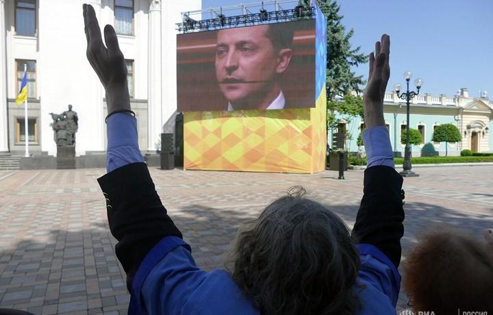 Петиция против Зеленского набрала необходимое число голосов