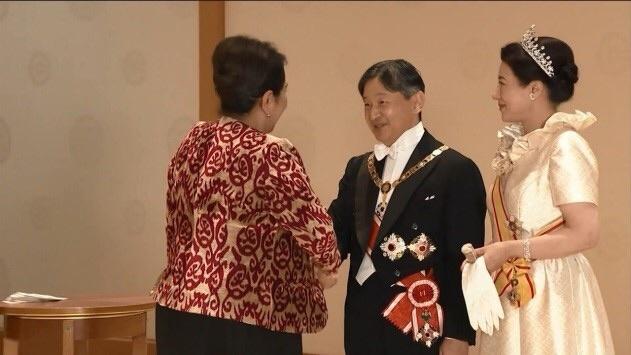 Танзила Норбоева Япония императори билан кўришди