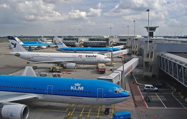 Amsterdam aeroportida «Boeing» va «Airbus» to'qnashib ketdi. Jabrlanganlar yo'q