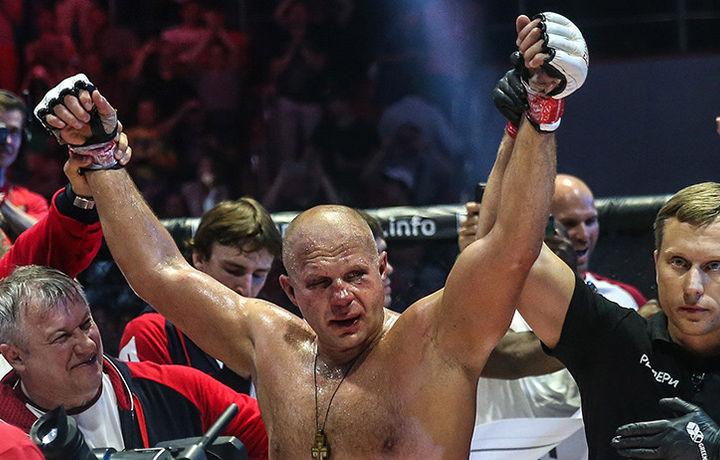 Емельяненко побил Соннена в первом раунде