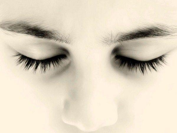 Кўзи очиқ сўқирлар