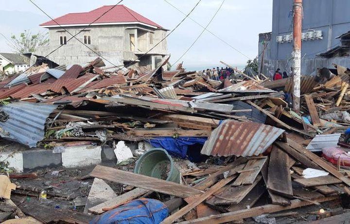 Жертв землетрясения в Индонезии могут быть тысячи