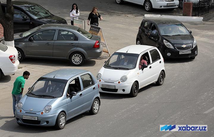Амалдагидан уч баравар зиёд нарх белгилаган ноқонуний таксичиларга чора кўрилди