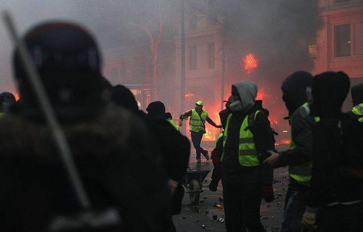 СМИ: Протесты во Франции – «хаос» и «партизанская война» (фото)