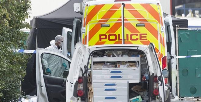 Водителя фургона в Британии обвинили в убийстве 39 человек