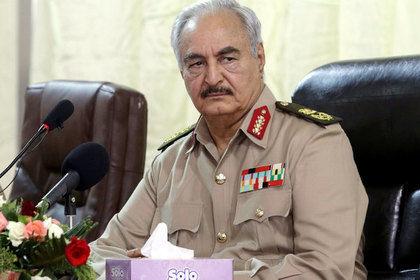 Трамп Ливия фельдмаршали Ҳафтар билан мулоқот қилди