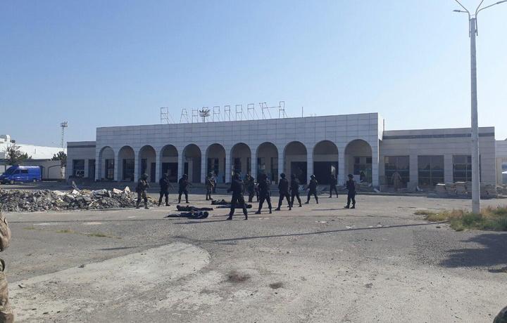 «Бухоро» халқаро аэропортида шартли террорчилар қўлга олинди