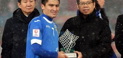 Osiyo chempioni Odilbek Hamrobekov «Malibu»ni otasiga sovg'a qildi