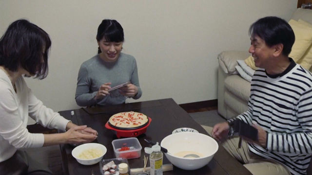 Ижарага – оила! Японияда ажабтовур хизмат оммалашмоқда (видео)