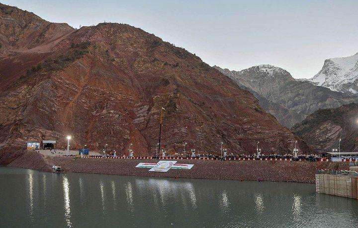«Роғун очилмоқда»: Ўрта Осиёдаги энг йирик ГЭСнинг ишга тушиш саҳналари (фото)
